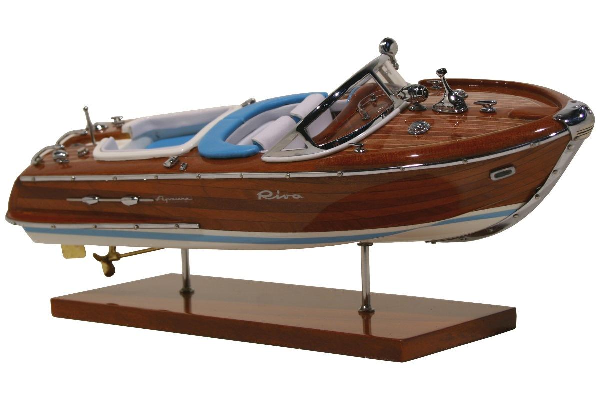 maquettes bateau maquette du riva aquarama kiade maquettes maquette haut de gamme du riva. Black Bedroom Furniture Sets. Home Design Ideas