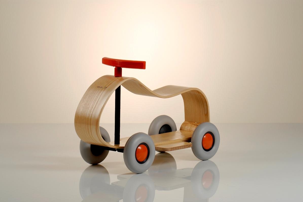 voiture pour enfants sibix max sirch sirch des jouets haut de gamme. Black Bedroom Furniture Sets. Home Design Ideas